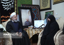 تصاویری از حضور روحانی در منزل سردار شهید سپهبد حاج قاسم سلیمانی