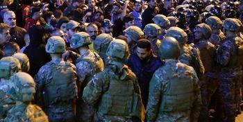 حمله معترضان به وزارتخانهها و ادارات دولتی/ ارتش لبنان هشدار داد