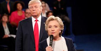 «هیلاری کلینتون» ترامپ را به باد انتقاد گرفت