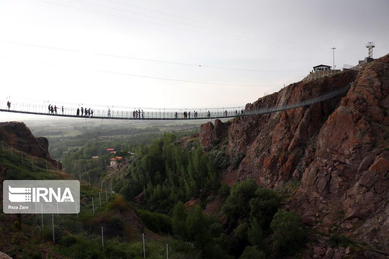 تصاویر: افتتاح پل معلق تمام شیشه ای هیر
