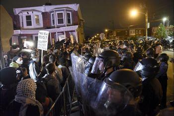 منع رفتوآمد در فیلادلفیا به دلیل شدت اعتراضات