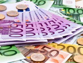 ۲۵ ارز در بازار بین بانکی ارزان شدند + جدول
